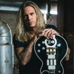 "CYHRA Guitarist EUGE VALOVIRTA Joins Forces With SHIRAZ LANE Singer HANNES KETT In New Single ""Liquid Lunch"""