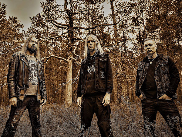 """MUSTAN KUUN LAPSET to release new single """"Kohti valoa""""; video available"""