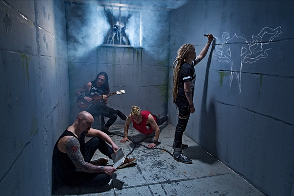 """OCEANHOARSE Releases Video For """"Death Row Center"""""""