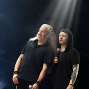 Raskasta Suomipoppia / Iskelmää